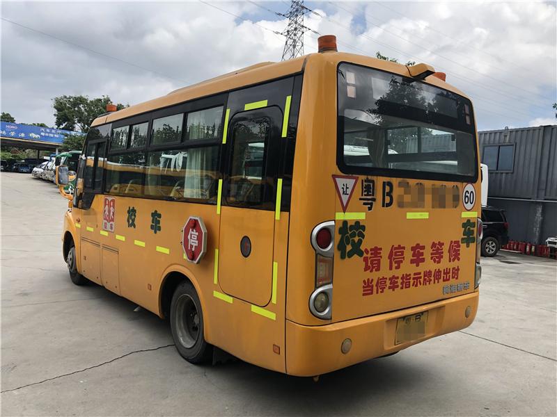 2014年9月34座幼儿校车