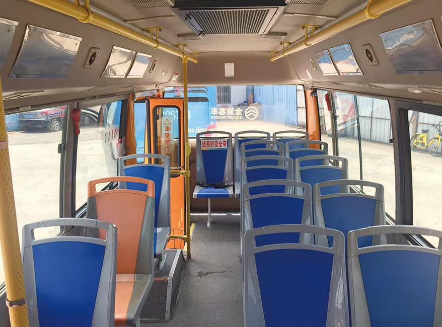 2015年国四7米厦门金旅公交