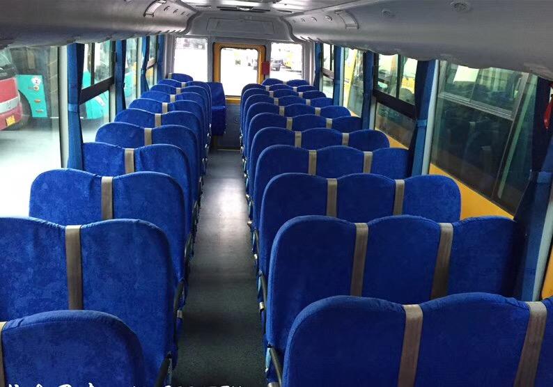 2016年12月56座小学生校车