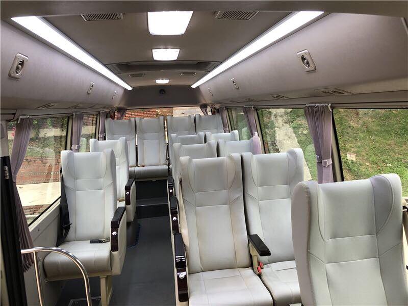 2017年3月15座安凯客车多台国五排放