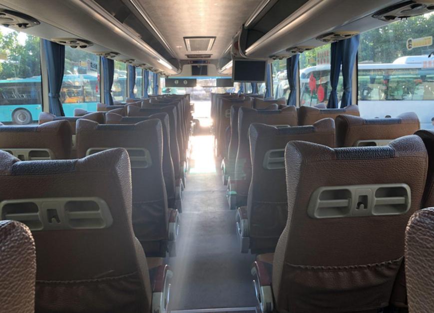 西沃客车14年53座国四锡柴排放
