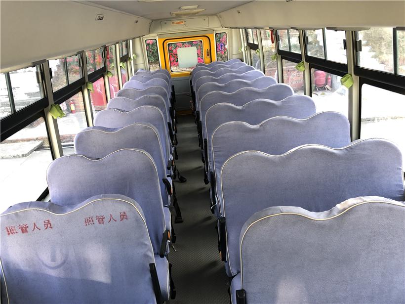 海格51座小学生校车
